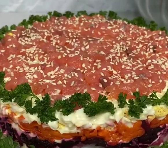 Салат селедка под шубой можно сделать изысканным - Салати на Новий рік