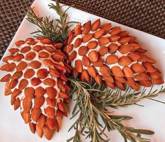 В новогоднее меню 2020 можно включить салат Сосновые шишки - Новогодние рецепты 2020