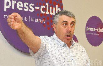 Евгений Комаровский поделился, что вода, которую дают пить детям, должна быть безопасной