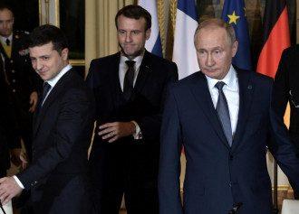 В Кремле утверждают, что Владимир Зеленский и Владимир Путин высказались за развитие отношений между Украиной и РФ - Зеленский и Путин