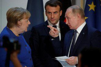 Меркель Макрон Путін
