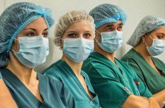 Лікарі не забезпечені засобами захисту