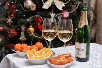 Можно приготовить мясные, рыбные и фруктовые салаты на праздник - Салаты на Новый год, рецепты