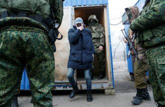 Обмен пленными на Донбассе / Reuters