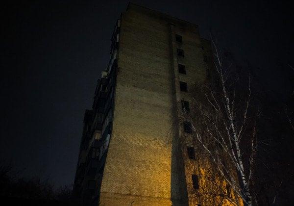 В столице женщина выбросилась из окна высотки - Новости Киева