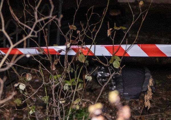 В столице мужчина выпал из окна, которое не открывается, вместе со стеклом и погиб - Новости Киева