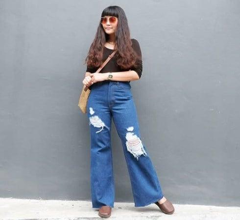 Расклешенніе джинсы опять в моде / Instagram