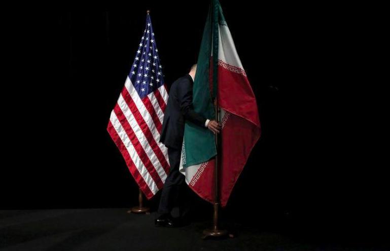 США, Иран, флаги США и Ирана