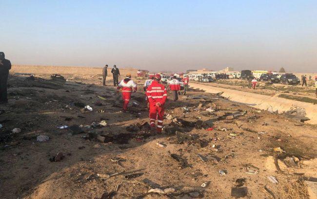 Куршение самолета МАУ в Иране - фото с места трагедии