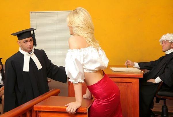 Суд, секс