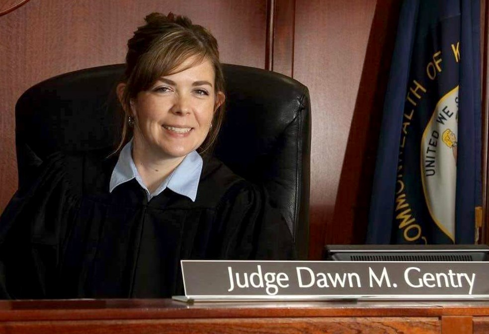 Похотливая судья