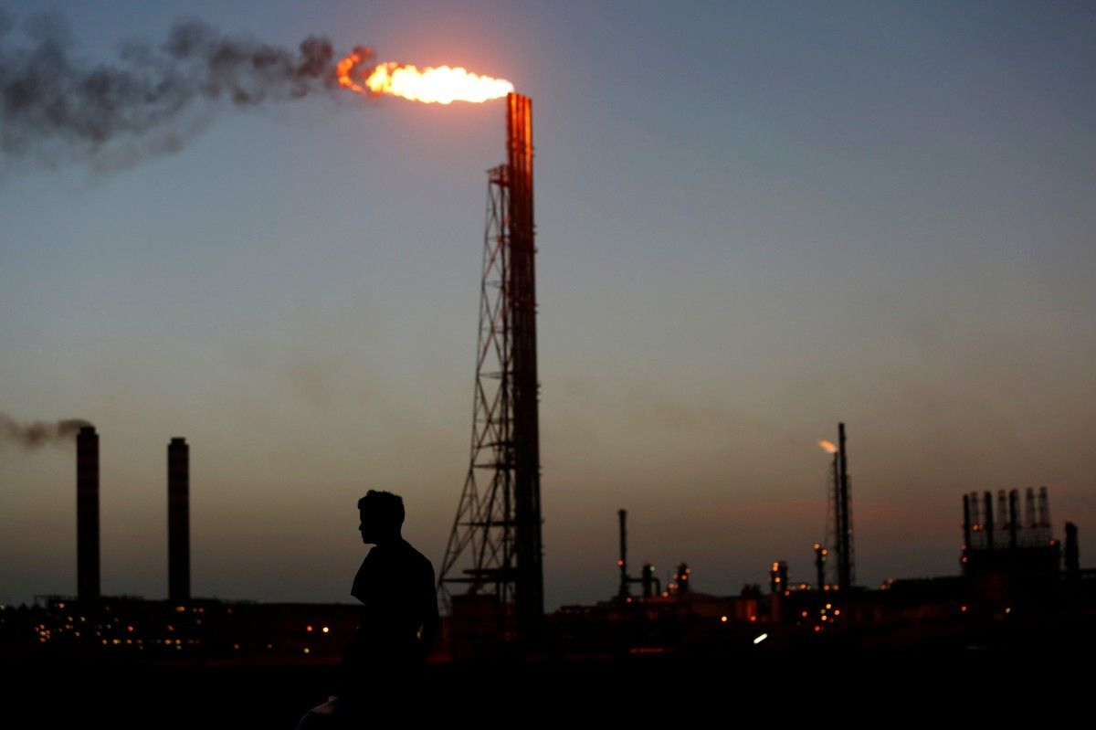 Нефть, вышка