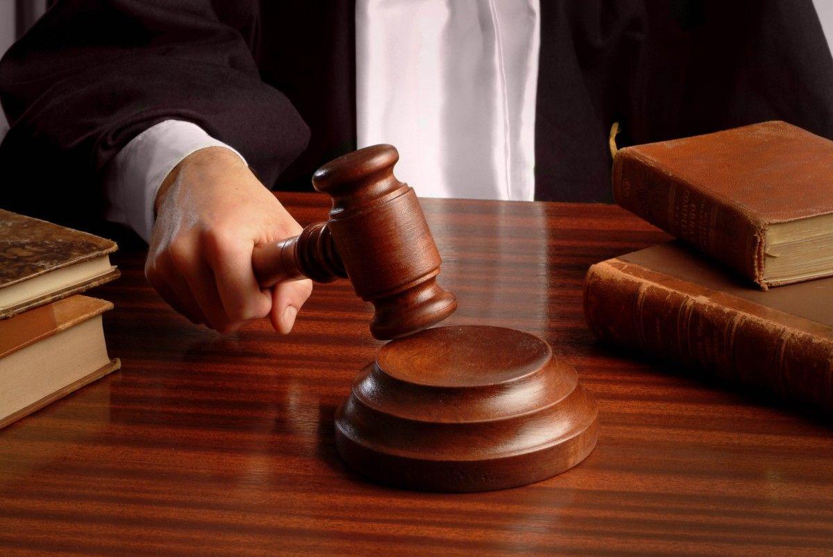 Главу Черновицкого облсовета суд отстранил от должности
