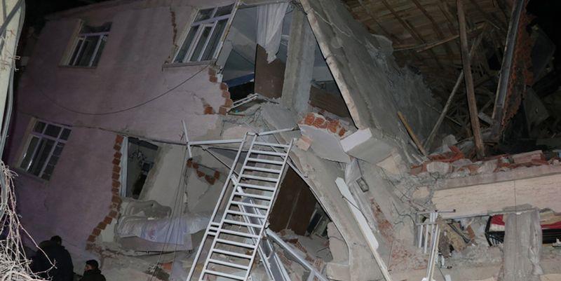 Турцию всколыхнуло жуткое землетрясение: есть жертвы и раненые