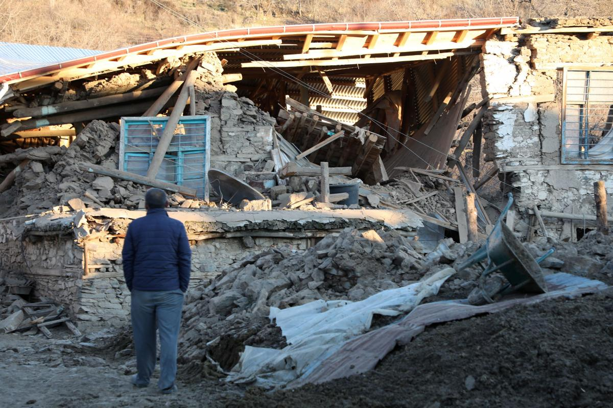 Жертв землетрясения в Турции уже более 20