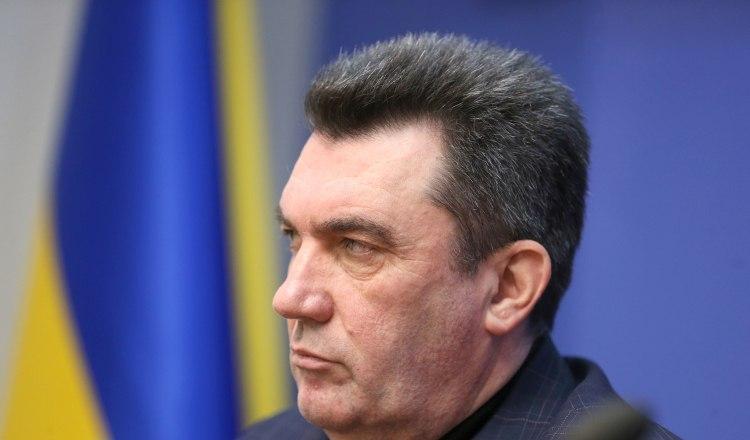 Алексей Данилов сообщил, что в Китае находятся тысячи украинцев - Смертельный вирус в Китае