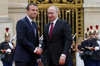 Путин и Макрон обсудили ситуацию на Донбассе во время телефонного разговора / УНИАН