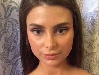 Украинка Екатерина продала свою девственность за 1,2 млн евро / Скриншот