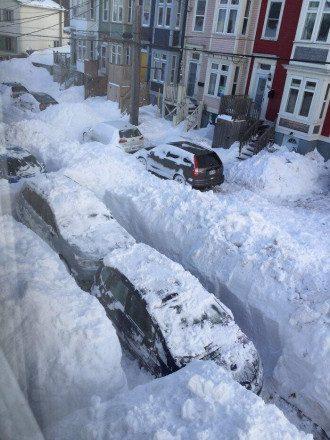 В пострадавших от снегопада районах объявлено чрезвычайное положение / Facebook