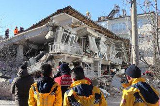 В Турции уже более 20 жертв землетрясения