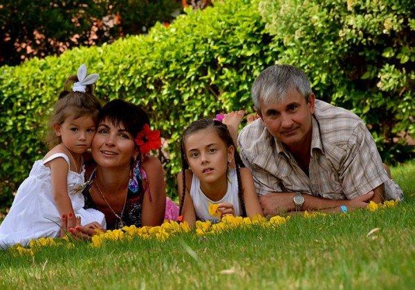 Пилот Владимир Гапоненко с семьей