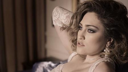 Мадонна Рождение легенды