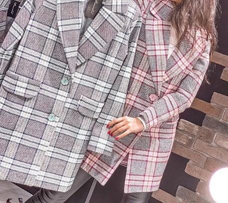 Яскраві пальто в клітинку 2020 / Instagram