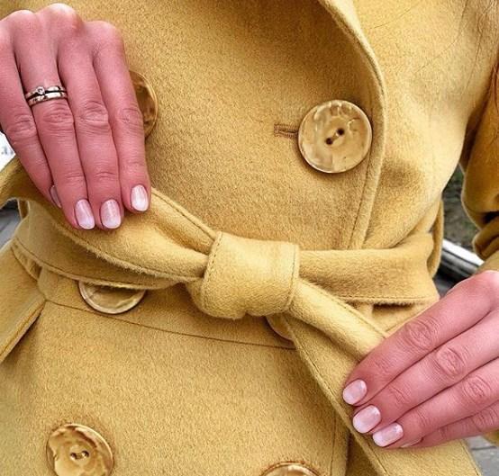 Головний тренд року - жовті пальто / Instagram