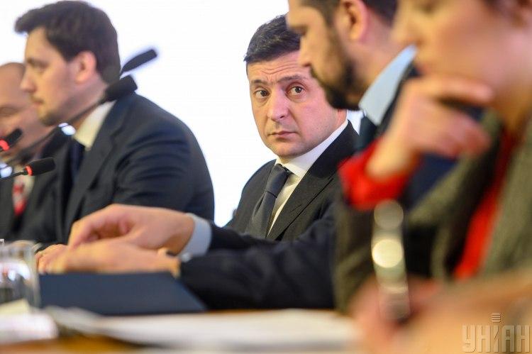 Введение чрезвычайного положения в Украине – что задумал Зеленский