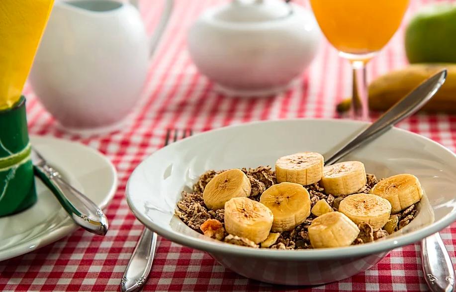 банани, сніданок