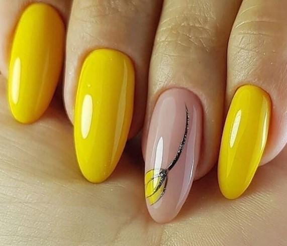 Весенний маникюр - в моду вернулись ногти из 70-х и желтый..