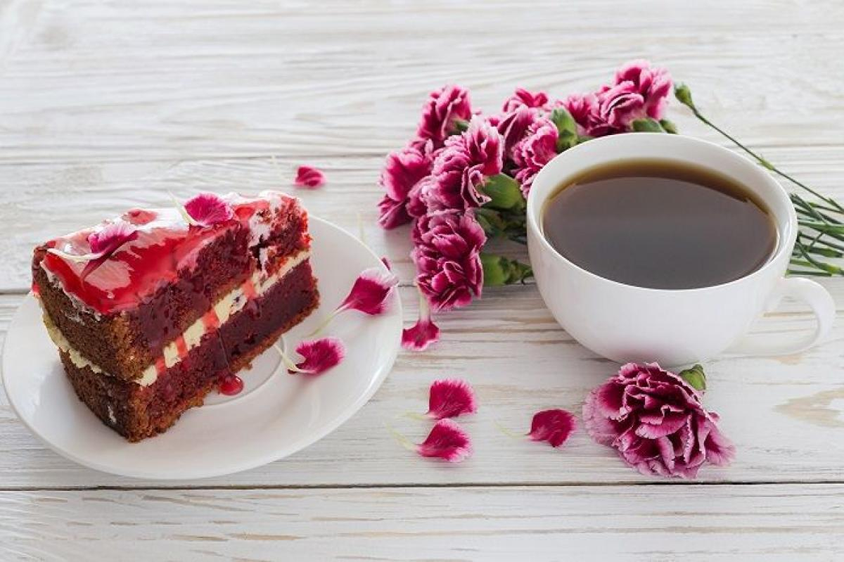 цветы_гвоздики_еда_сладкое_торт