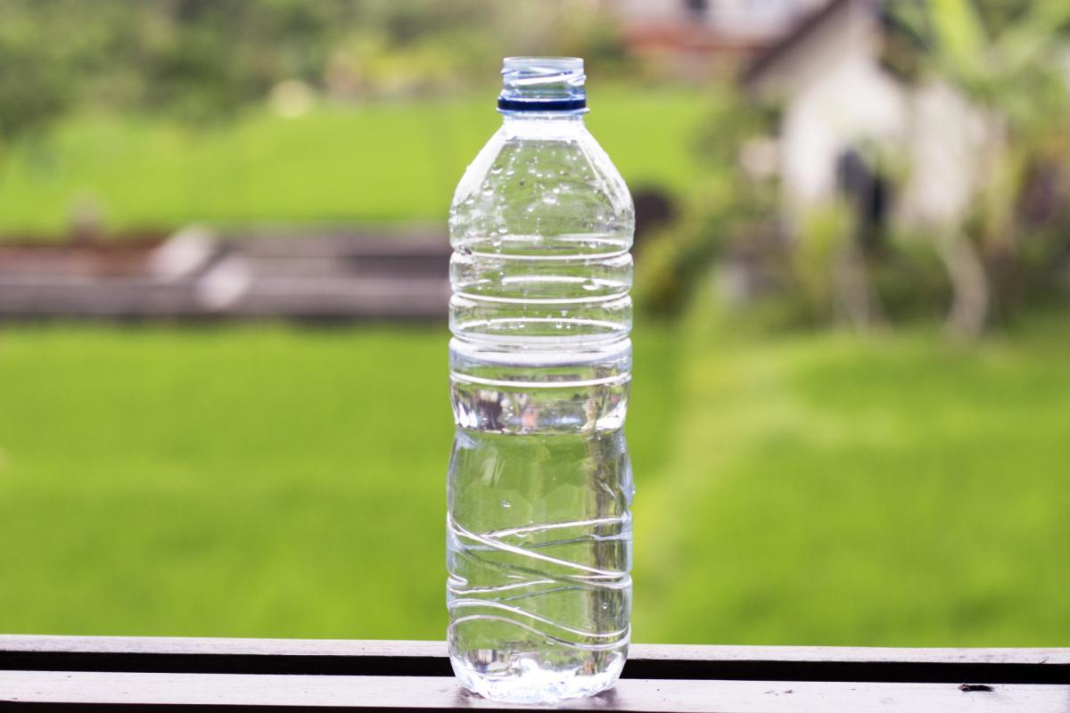 Пластик, бутылка