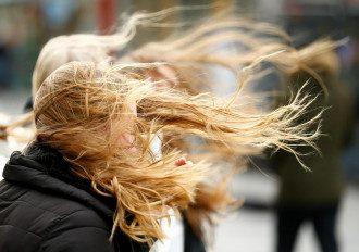 Синоптики попередили, що сьогодні в Україні буде вітряно – Прогноз погоди