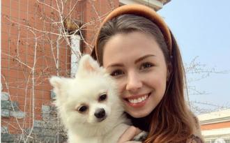 Анастасия Зинченко осталась в Ухане из-за собаки, не побоявшись коронавируса / Фото: Instagram/nastyazinchenko
