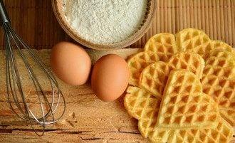 Як збільшити термін зберігання яєць і яким кінцем зберігати яйця