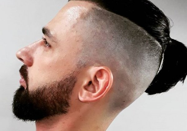 Мужские прически на длинные волосы 2020