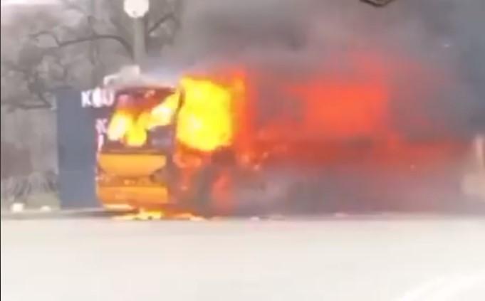 У Києві загорілася маршрутка