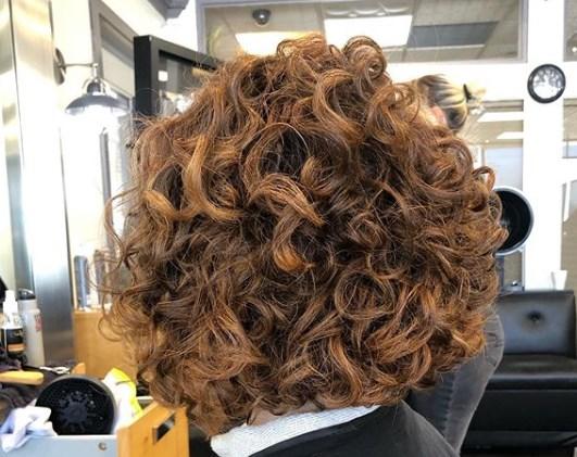 Стрижки для кучерявого волосся 2020