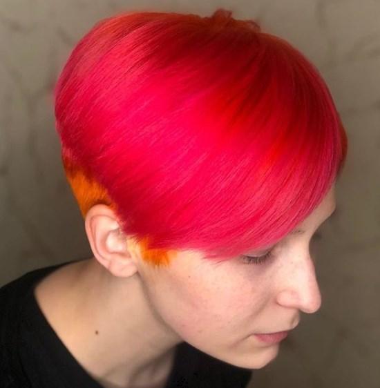 Фарбування волосся, що додає віку