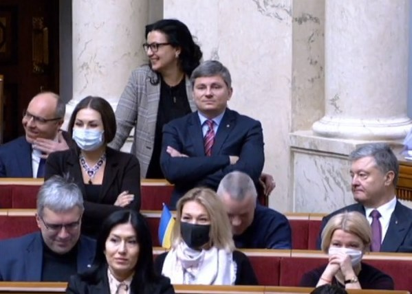Реакція Порошенка і Парубія на виступ Гончаренка / скріншот з відео телеканалу Рада