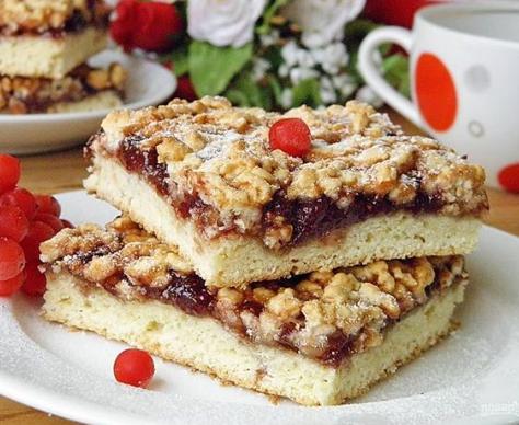 Клевый пирог с вареньем в мультиварке готовится около 40 минут