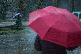Експерт поділилася, що в Україні на вихідних можливі впевненіші дощі – Погода в Україні
