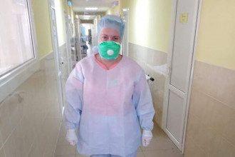 Медсестра шокировала экипировкой / Фото: Facebook/Нина Козловская