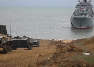 Российские военные провели учения в Крыму