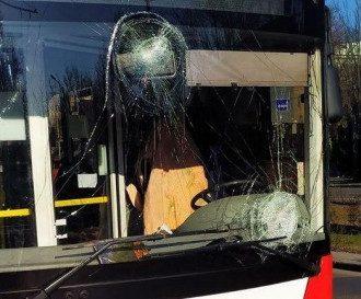 В Одессе недовольные пассажиры крушат троллейбусы / Одесгорэлектротранс