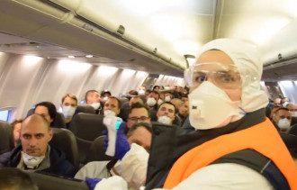 Самолет привез более 200 украинцев из охваченной коронавирусом Испании / Скриншот