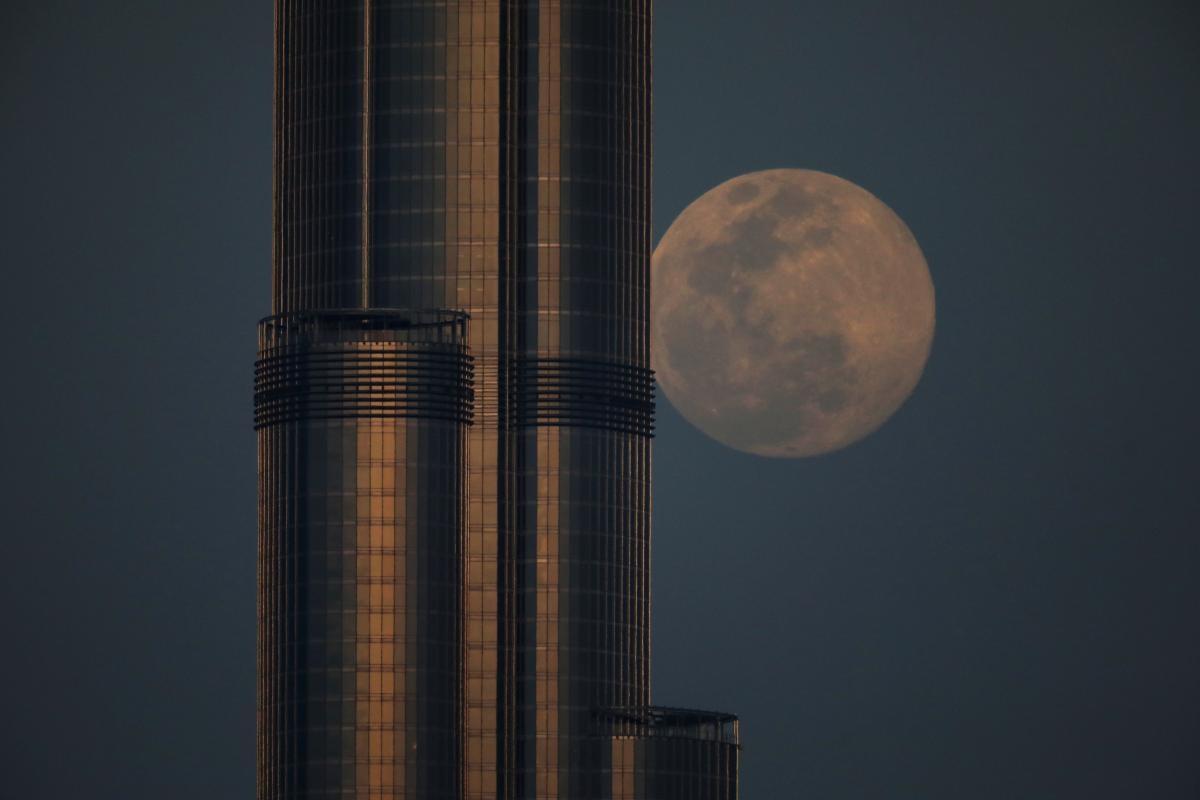 Рожевий Місяць 2020 в Дубаї