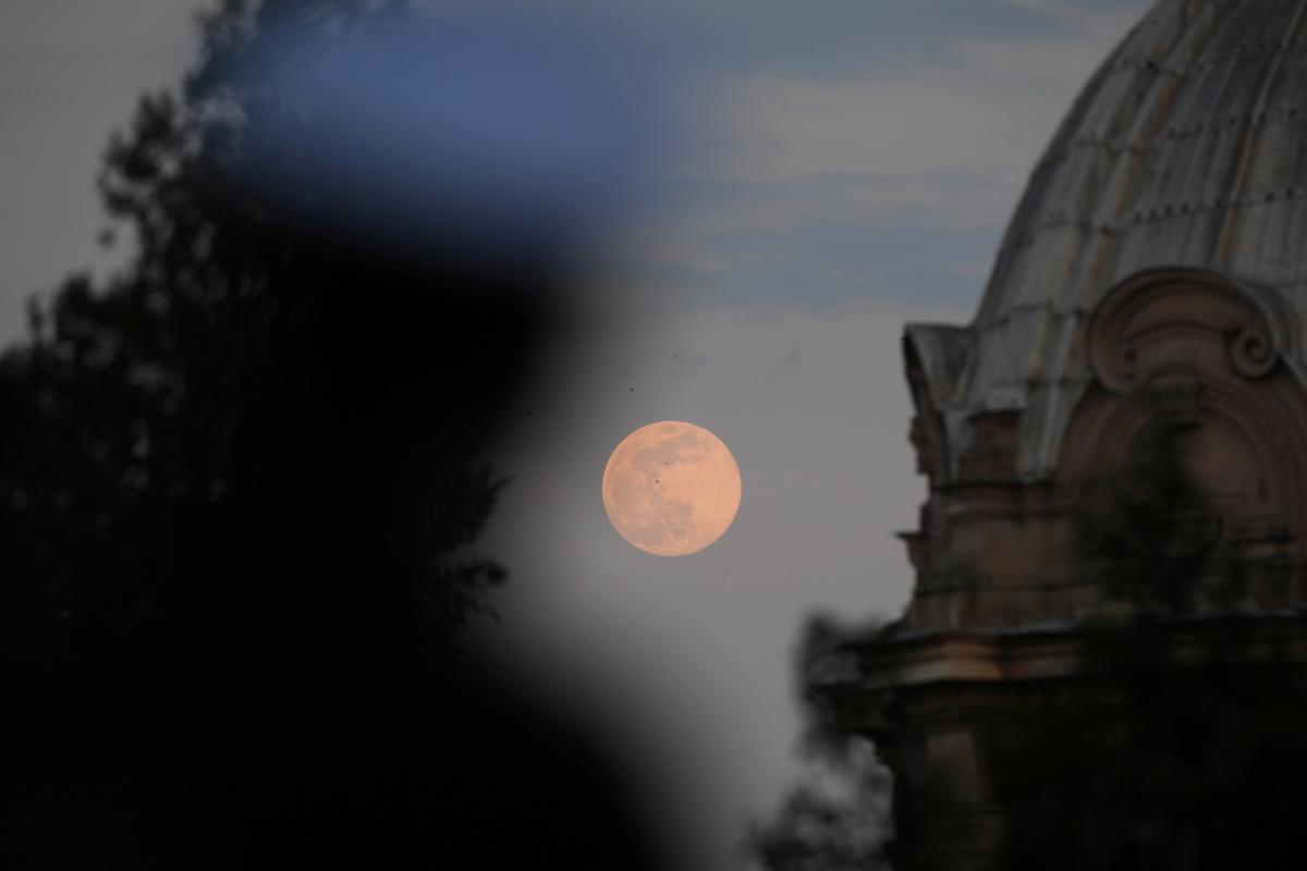 Рожевий Місяць 2020 у Римі