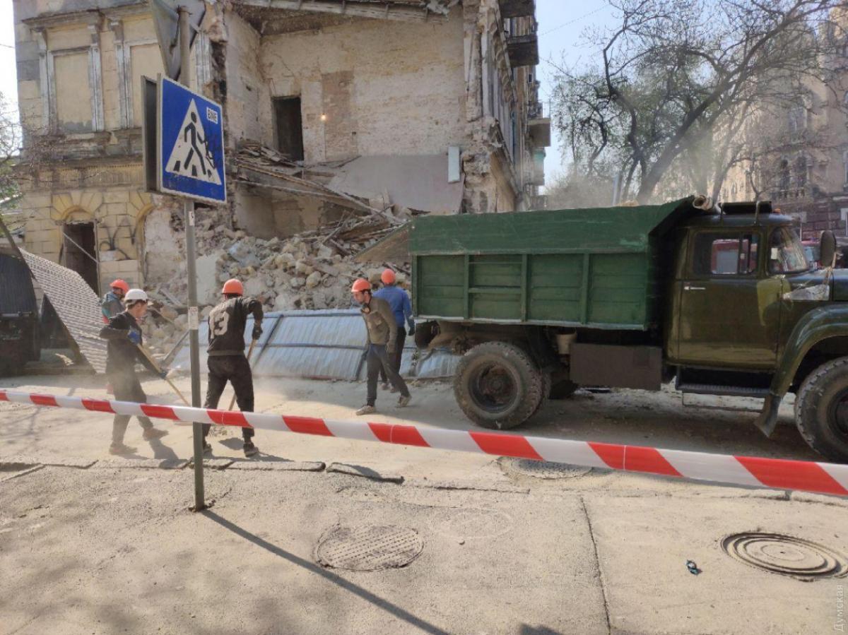 В центре Одессы обрушился старинный дом